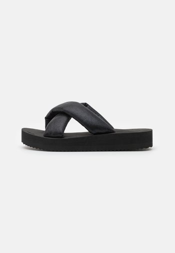 PLATEAU CHIC - Mules - black/metallic black