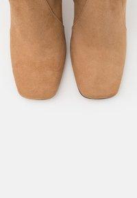 Bianca Di - High heeled boots - camel - 5