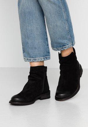 BEJA - Korte laarzen - black