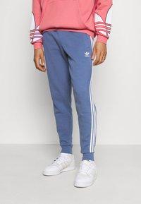 adidas Originals - STRIPES PANT - Tracksuit bottoms - crew blue - 0