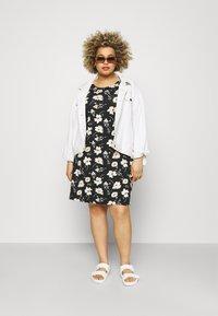 ONLY Carmakoma - BANDANA - Jersey dress - black/yellow - 1