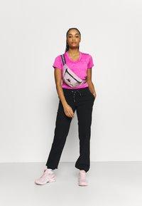 Under Armour - TECH TWIST - Camiseta básica - meteor pink - 1