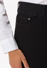 BRAX - STYLE LAVINA - Slim fit jeans - black - 2