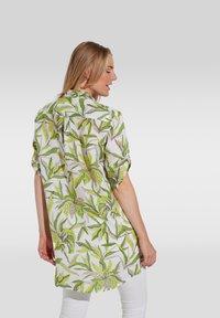 Eterna - MODERN CLASSIC - Button-down blouse - grün/weiss - 1