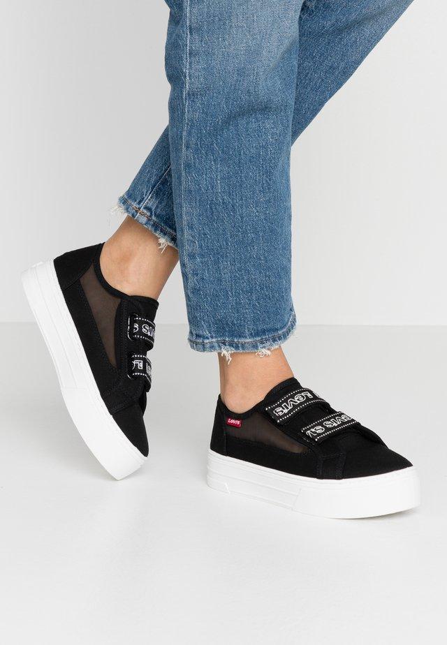 TIJUANA - Sneakersy niskie - regular black