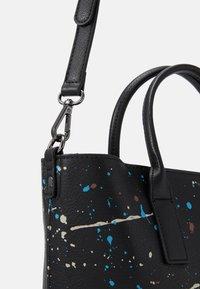 Desigual - BOLS SKY SPLATTING HOLBOX SET - Handbag - black - 4