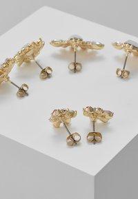 ONLY - ONLAMDI EARRING 3 PACK - Boucles d'oreilles - gold-coloured - 2