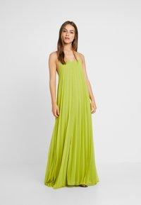 Missguided Petite - STRAPPY PLEATED DRESS - Vestido largo - acid lime - 0