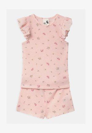 EMMA FLUTTER SHORT SLEEVE - Nattøj sæt - barely pink