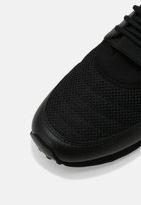Cruyff - TRAXX - Trainers - black - 4
