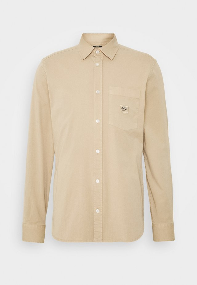 HARRISON POCKET - Skjorter - sand