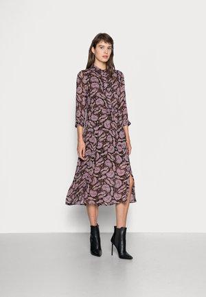 DRESS MIDI PURPLE PAISLEY - Day dress - dark red