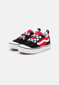 Vans - COMFYCUSH NEW SKOOL UNISEX - Trainers - black/red - 1