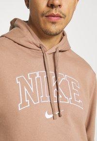 Nike Sportswear - RETRO HOODIE - Sweatshirt - desert dust - 5