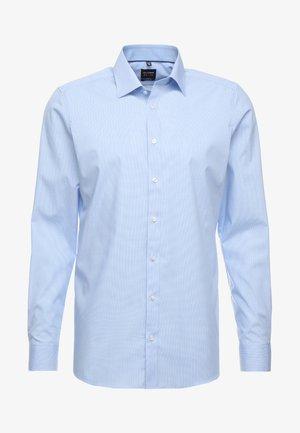 OLYMP LEVEL 5 BODY FIT - Skjorte - light blue