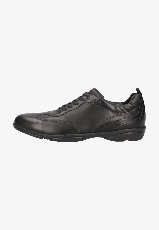 Sznurowane obuwie sportowe - schwarz