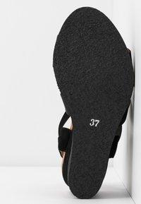 Bianco - BIACAILY CROSS  - Wedge sandals - black - 6