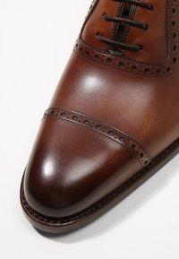 Cordwainer - JULIEN - Elegantní šněrovací boty - elba castagna - 5