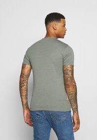 G-Star - BASE V-NECK T S/S 2-PACK - T-shirt basic - light building - 2