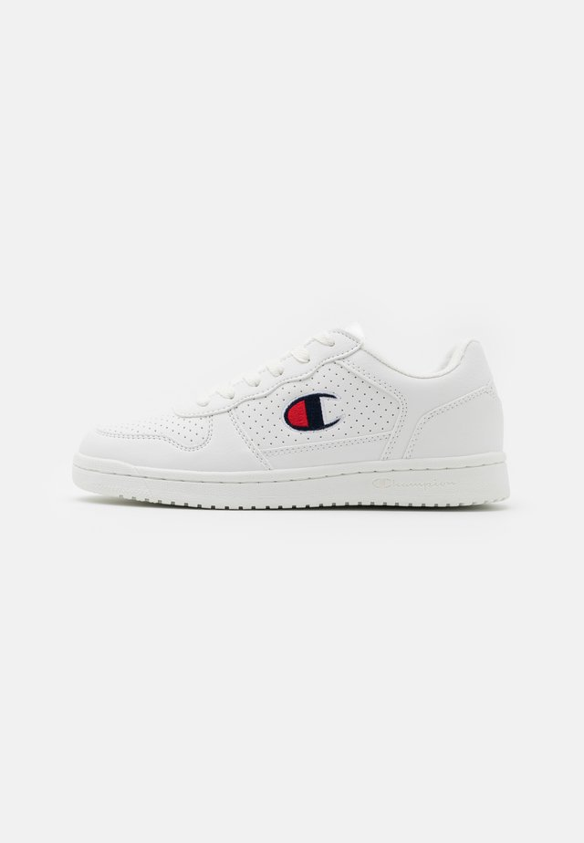 LOW CUT SHOE CHICAGO UNISEX - Kuntoilukengät - white
