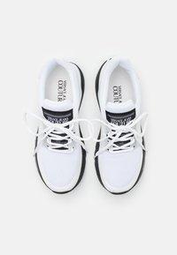 Versace Jeans Couture - LINEA FONDO SUPER - Joggesko - white - 3
