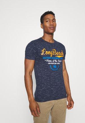 ISLAND - Print T-shirt - navy/ ecru
