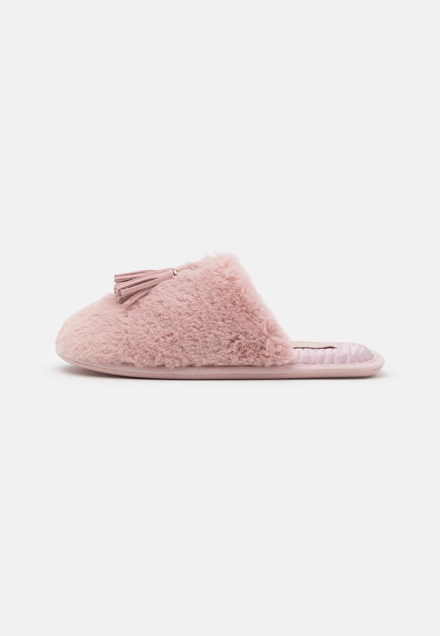 BRETA - Domácí obuv - petal pink