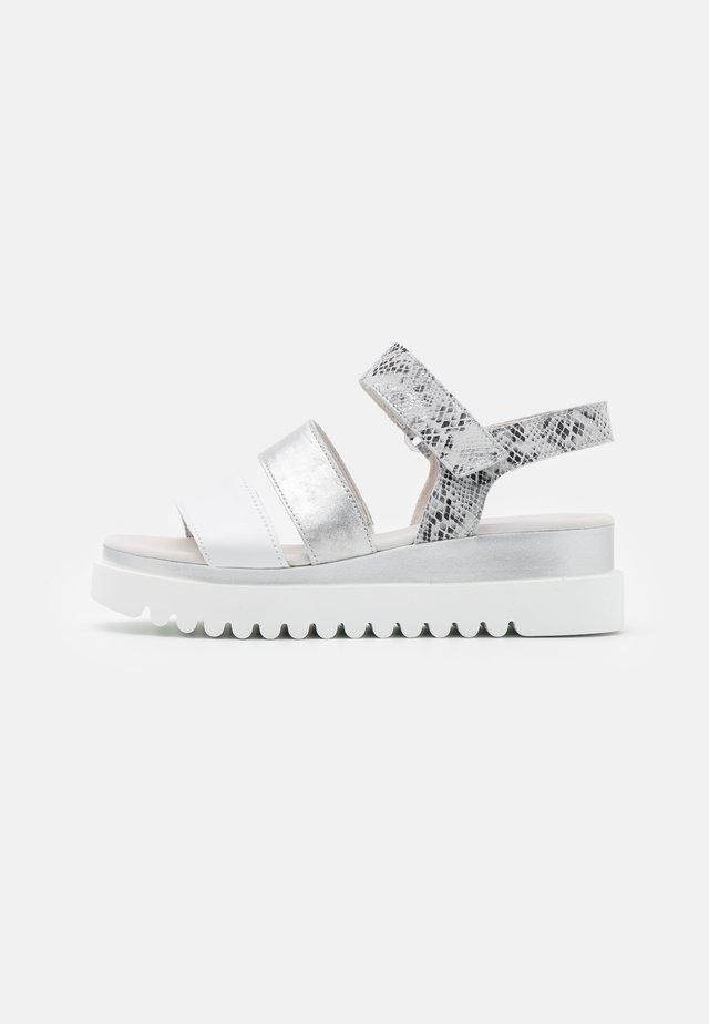 Sandales à plateforme - weiß/argento