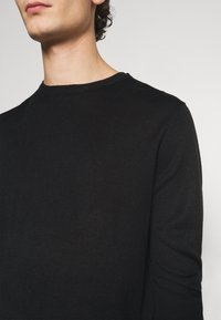 Newport Bay Sailing Club - CREW - Jumper - black - 5