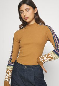 Free People - SWITCH IT UP THERMAL - Jumper - sienna - 3