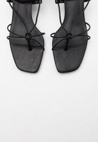 ALDO - MARAKET - Sandaler m/ tåsplit - black - 5