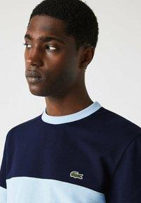 Lacoste - Print T-shirt - bleu marine / bleu clair - 3