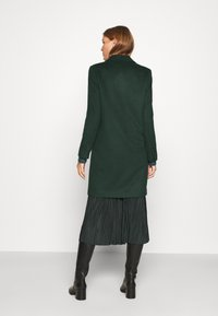 Selected Femme - SLFSASJA COAT - Klasický kabát - green gables - 2