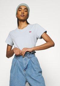 Levi's® - PERFECT TEE - Basic T-shirt - pearl gray - 4