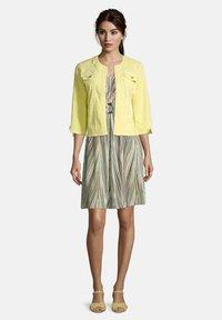 Betty Barclay - Denim jacket - gelb - 1
