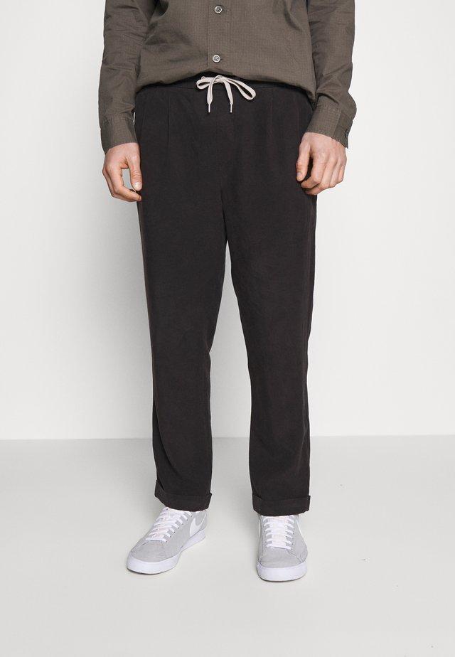 GROVE TROUSER - Kalhoty - washed black