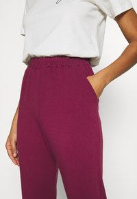 Missguided - BASIC - Tracksuit bottoms - burgundy - 4