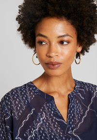 Betty & Co - Blouse - blue/nature - 4
