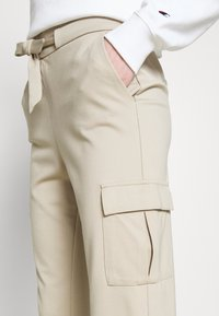 ONLY - ONLPOPTRASH  - Cargo trousers - humus - 3
