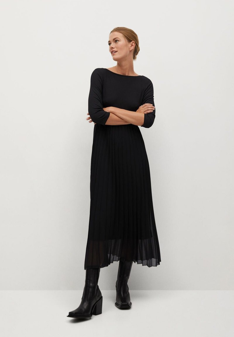 Mango - PLISSÉE - Maxi dress - noir