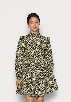 DEBBIE - BIB FRILL SHORT SMOCK DRESS - Shirt dress - khaki texture