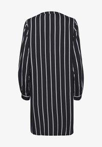 black/chalk stripe