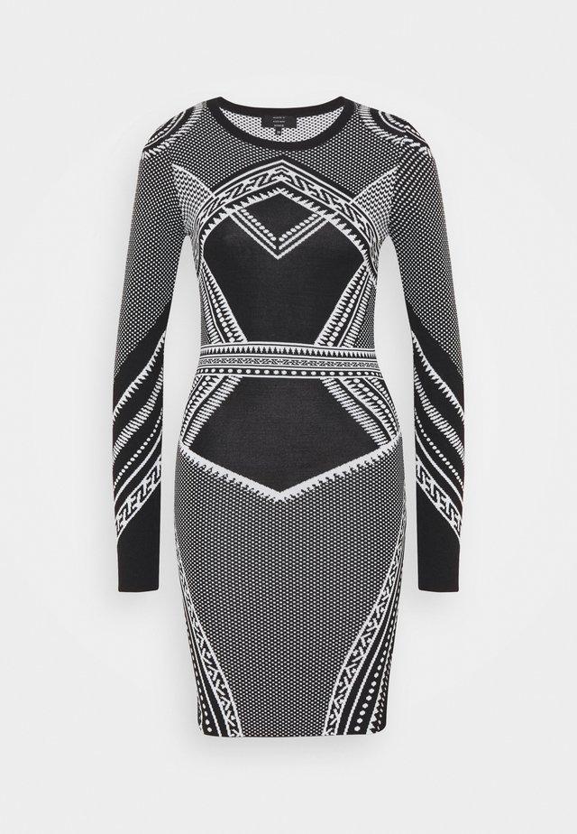 PERDY DRESS - Stickad klänning - black