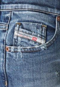 Diesel - D-AKEMI - Relaxed fit jeans - medium blue - 2