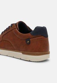 Pier One - Sneaker low - cognac - 6