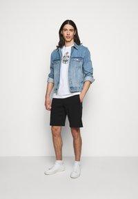PS Paul Smith - MENS REGULAR  FIT SKULL - Print T-shirt - white - 1