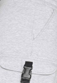 Urban Threads - CARGO UNISEX - Shorts - grey - 2