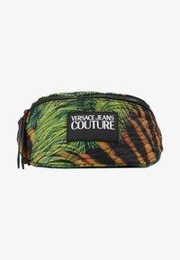 Versace Jeans Couture - JUNGLE PRINT BELT BAG - Bum bag - multicoloured - 4