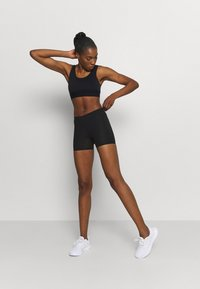 Cotton On Body - HIGHWAISTED SHORTIE SHORT - Leggings - core black - 1