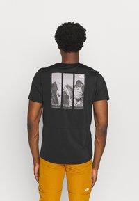 The North Face - GLACIER TEE - Camiseta estampada - tnf black - 2